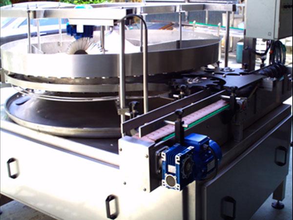 Llenadora volumétrica rotativa